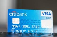 Tarjeta de débito de la visa de Citibank en un teclado Foto de archivo libre de regalías