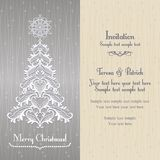 Tarjeta de felicitación con el árbol de Christmass, oro Imágenes de archivo libres de regalías