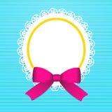 Tarjeta de felicitación con el arco rosado Foto de archivo libre de regalías