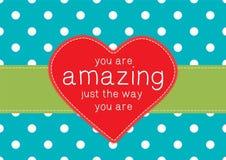 Tarjeta de felicitación con el corazón rojo Fotos de archivo libres de regalías