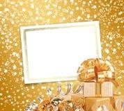 Tarjeta de felicitación con el marco en un fondo hermoso Imagen de archivo