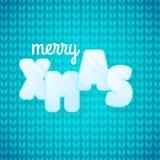 Tarjeta de felicitación con feliz Navidad de la frase Letras del hielo Fondo azul hecho punto Cierre del suéter encima del fondo  ilustración del vector