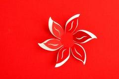 Tarjeta de felicitación con la flor de papel Fotografía de archivo