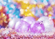 Tarjeta de felicitación con las bolas de la Navidad Foto de archivo libre de regalías
