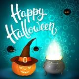 Tarjeta de felicitación de Halloween con la caldera de la bruja, el sombrero, la calabaza, las letras enojadas de las arañas, de  Imagenes de archivo