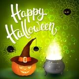 Tarjeta de felicitación de Halloween con la caldera de la bruja, el sombrero, la calabaza, las letras enojadas de las arañas, de  Fotos de archivo