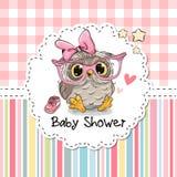 Tarjeta de felicitación de la fiesta de bienvenida al bebé con el búho stock de ilustración