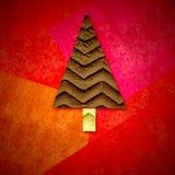 Tarjeta de felicitación de la Navidad, árbol de abeto en fondo rojo Imagen de archivo