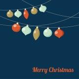 Tarjeta de felicitación de la Navidad con la guirnalda de las bolas de la Navidad Decoración festiva del partido Diseño plano del ilustración del vector