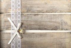 Tarjeta de felicitación de la rosa del blanco Imagen de archivo libre de regalías