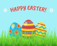 Tarjeta de felicitación de Pascua o cartel feliz con los huevos, hierba, flores stock de ilustración