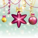 Tarjeta de felicitación del Año Nuevo Bola de la Navidad con el arco y la cinta Imagen de archivo libre de regalías