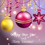 Tarjeta de felicitación del Año Nuevo Bola de la Navidad con el arco y la cinta Fotos de archivo libres de regalías