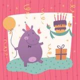 Tarjeta de felicitación del cumpleaños con el hipopótamo lindo Fotos de archivo libres de regalías