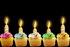 Tarjeta de felicitación del cumpleaños con la magdalena y la vela Fotos de archivo