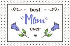 Tarjeta de felicitación del día de madre La mejor tarjeta de la mamá nunca con las flores y los elementos lindos del garabato Foto de archivo