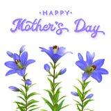 Tarjeta de felicitación del día de madres con los lirios azules Fotos de archivo libres de regalías