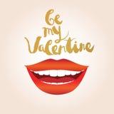 Tarjeta de felicitación del día de tarjeta del día de San Valentín Mujer sonriente con los labios rojos y los labios blancos de l Fotografía de archivo
