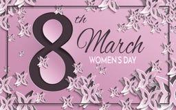 Tarjeta de felicitación del día del ` s de las mujeres con diseño floral y de la mariposa del papel del corte y el fondo rosado c Fotos de archivo
