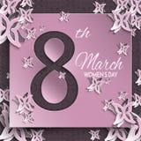 Tarjeta de felicitación del día del ` s de las mujeres con diseño floral y de la mariposa del papel del corte y la etiqueta engom Fotografía de archivo libre de regalías
