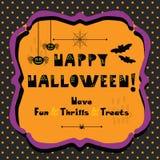 Tarjeta de felicitación del emblema del feliz Halloween en fondo de los lunares Fotografía de archivo libre de regalías