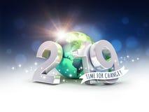 Tarjeta de felicitación ecológica - número de fecha del Año Nuevo 2019 compuesto con una tierra verde del planeta, centrada en Am stock de ilustración