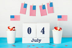 Tarjeta de felicitación en el Día de la Independencia de América Fotografía de archivo