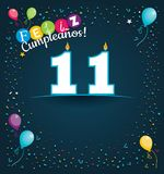 Tarjeta de felicitación de Feliz Cumpleanos 11 - feliz cumpleaños 11 en lengua española - con las velas blancas Stock de ilustración
