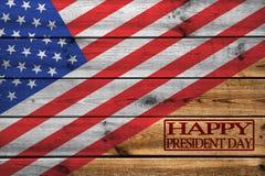Tarjeta de felicitación feliz de presidentes Day en fondo de madera imagen de archivo libre de regalías