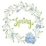 Tarjeta de felicitación hermosa con una guirnalda de las flores azules de la primavera con las letras en el fondo blanco Fotos de archivo libres de regalías