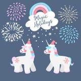 Tarjeta de felicitación linda de la Navidad, invitación Pequeños unicornios con los sombreros de Papá Noel, el arco iris y la nie stock de ilustración