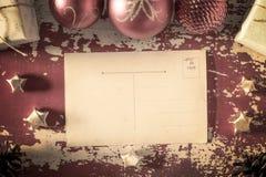 Tarjeta de felicitación retra del vintage de la Feliz Navidad Imágenes de archivo libres de regalías