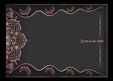 Tarjeta de felicitación rosada del vintage del oro en fondo negro Plantilla de lujo del ornamento Grande para la invitación, avia stock de ilustración