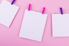 Tarjeta de felicitación tres en fondo rosado El amor, boda, sueña tema Imagen de archivo libre de regalías