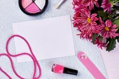 Tarjeta de felicitación y accesorios del ` s de las mujeres Fotos de archivo