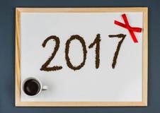 Tarjeta 2017 de felicitaciones del café de la Feliz Año Nuevo Foto de archivo libre de regalías