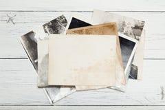 Tarjeta de imagen vieja del marco de la foto, fondo antiguo de la postal fotografía de archivo