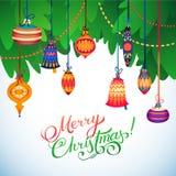Tarjeta de la Feliz Navidad Árbol de navidad y bolas de cristal en el fondo blanco Fotografía de archivo libre de regalías