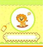 Tarjeta de la fiesta de bienvenida al bebé, amarilla con el león Foto de archivo libre de regalías