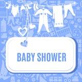 Tarjeta de la fiesta de bienvenida al bebé en color azul y rosado Fotos de archivo libres de regalías