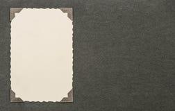 Tarjeta de la foto del vintage con la esquina Página del álbum Textura (de papel) arrugada Foto de archivo
