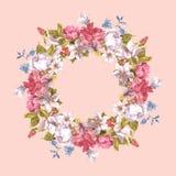 Tarjeta de la invitación con la guirnalda floral Fotografía de archivo