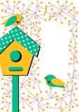 Tarjeta de la invitación con la pajarera y los pájaros Imagenes de archivo