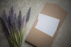 Tarjeta de la invitación de la boda en sistema de la caja Imagenes de archivo