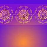 Tarjeta de la invitación del vintage en fondo de la púrpura del grunge ilustración del vector