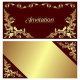 Tarjeta de la invitación - diseño con las fronteras de oro. Imagen de archivo