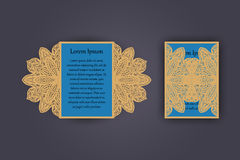 Tarjeta de la invitación o de felicitación de la boda con el ornamento del cordón del vintage Maqueta para el corte del laser Ilu Fotografía de archivo
