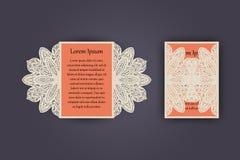 Tarjeta de la invitación o de felicitación de la boda con el ornamento del cordón del vintage Maqueta para el corte del laser Ilu Fotos de archivo