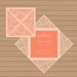 Tarjeta de la invitación o de felicitación de la boda con el ornamento de la flor stock de ilustración