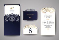 Tarjeta de la invitación o de felicitación de la boda con el ornamento floral del oro Sobre de la invitación de la boda para el c Imagen de archivo libre de regalías
